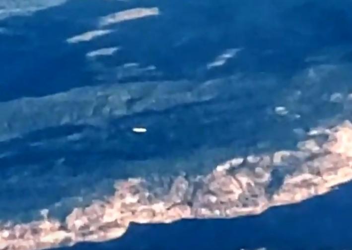 Piloto filma un OVNI volando sobre el Parque Nacional Zion, Utah
