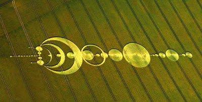 Científico decodifica Círculos de Cosechas y encuentra mensajes de extraterrestres y de viajeros del tiempo