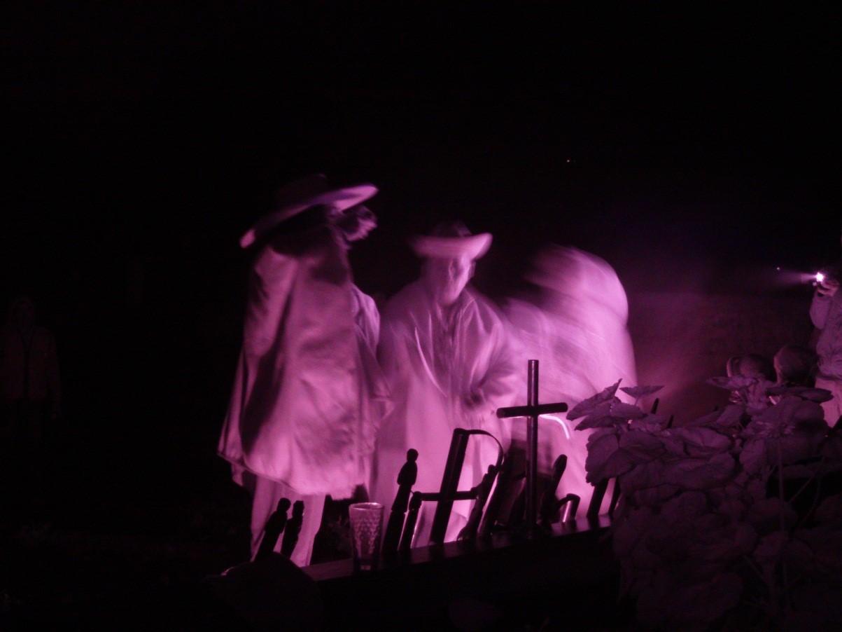 Mesada en Cementerio de Nueva Esperanza, Perú