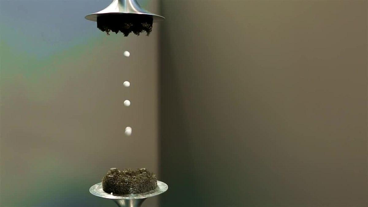 Cómo levitar cosas con sonido (y derretir tu cerebro)