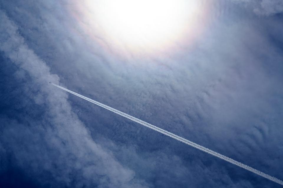 Las estelas de avión inciden dramáticamente en el calentamiento global