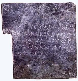 Magia en la antigüedad: maldiciones y control de seres sobrenaturales.