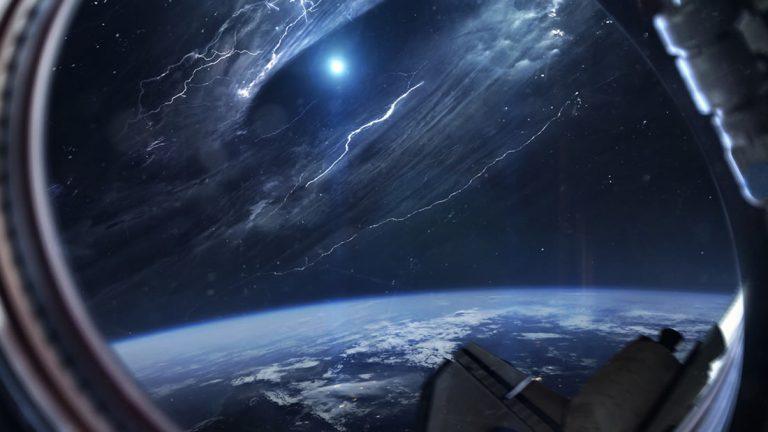 Ufóloga: «Algo viene a la Tierra desde 2.5 billones de años luz de separación».