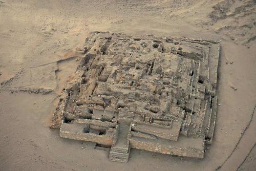 La Gran Pirámide de Caral. Crédito de la imagen: Christopher Kleihege / UNESCO.