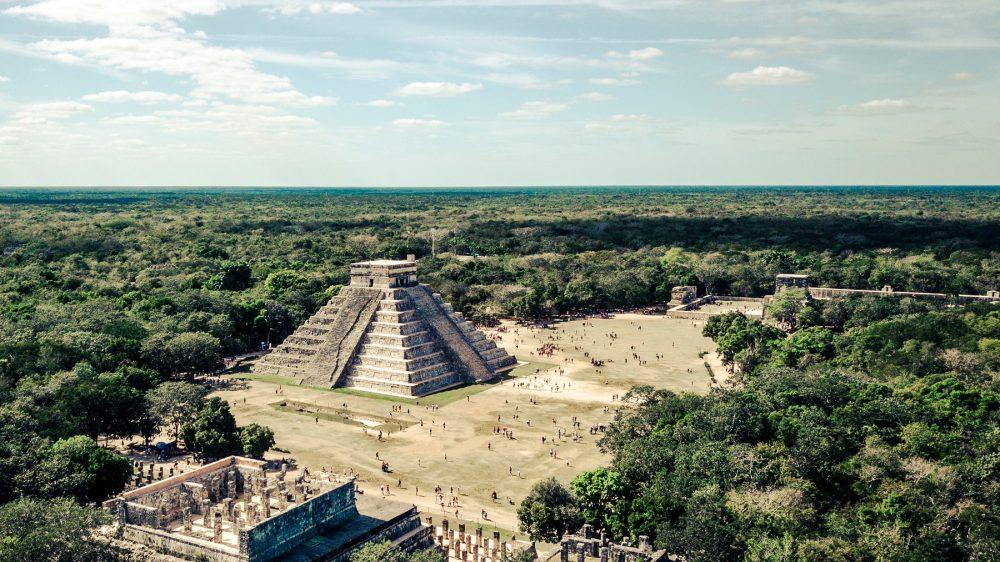 Una vista aérea de la pirámide de El Castillo en Chichén Itzá. Shutterstock