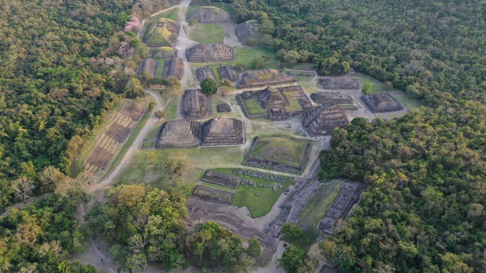 Una vista aérea de las antiguas pirámides de El Tajin. Shutterstock