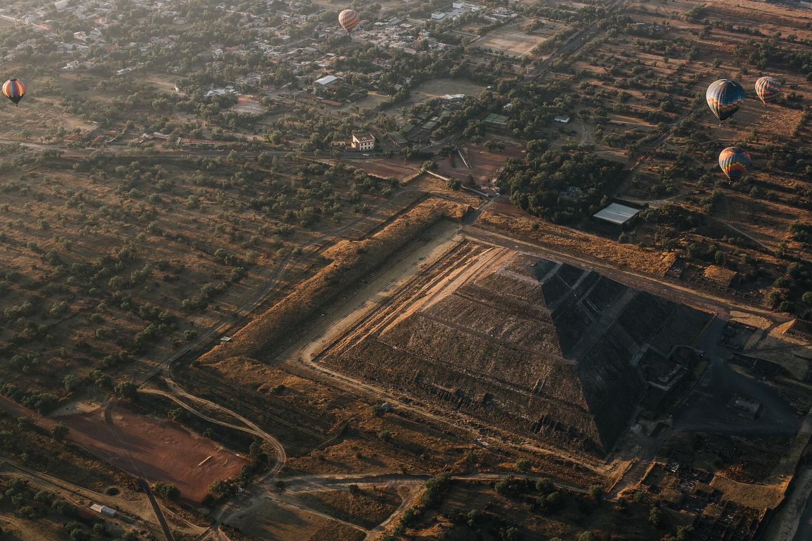 Vista aérea de la ciudad de Teotihuacan y sus alrededores. Shutterstock