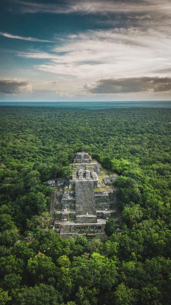 Una de las pirámides mayas más altas de Calakmul. Shutterstock
