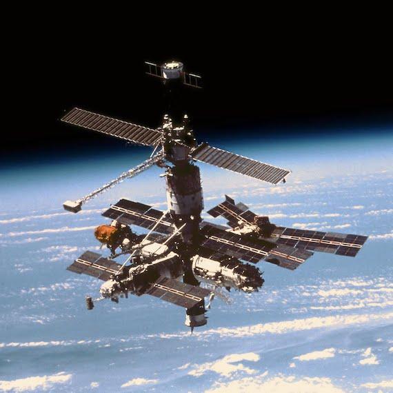 Extraños encuentros con extraterrestres en estaciones espaciales rusas