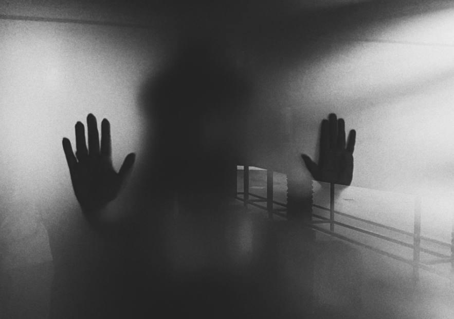 Manos fantasmales
