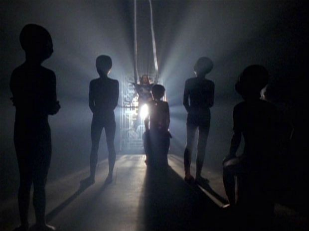 Resultados de imágenes de secuestros, área extraterrestre 51, hipnótica ligera