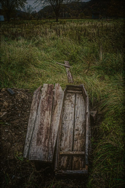 Coffin-at-Lake-Shawnee-low-res.jpg