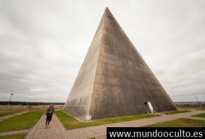 Los extraños experimentos rusos con pirámides