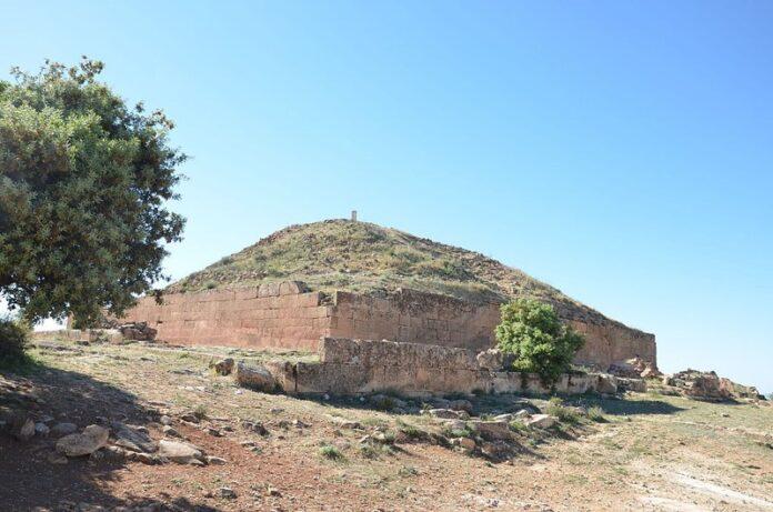 Las Enigmáticas Pirámides en Argelia: las Djeddars, un portal al «inframundo».