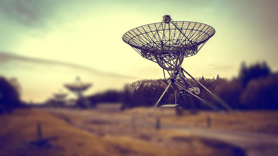 Los astrónomos recibieron una señal de radio increíblemente poderosa de un objeto en nuestra galaxia