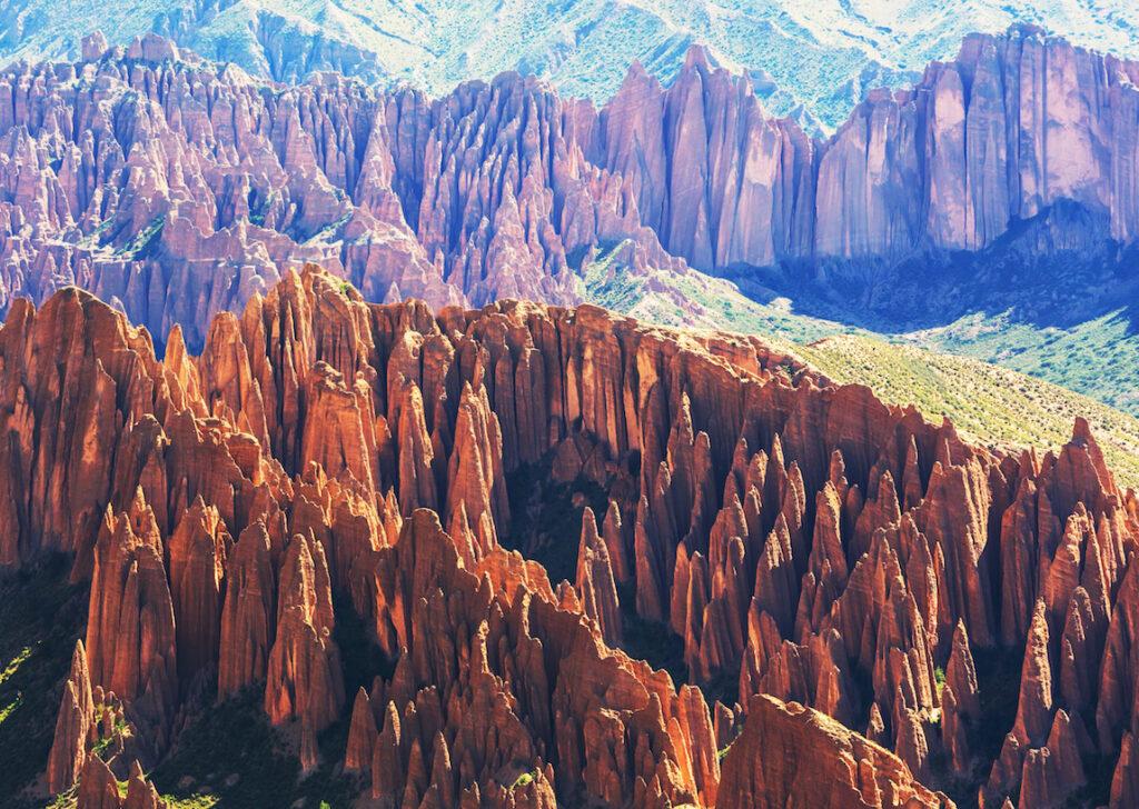 Montañas gigantes descubiertas dentro de la Tierra