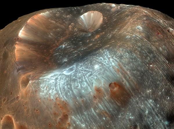 La extraña luna Fobos de Marte puede contener pistas sobre la vida antigua
