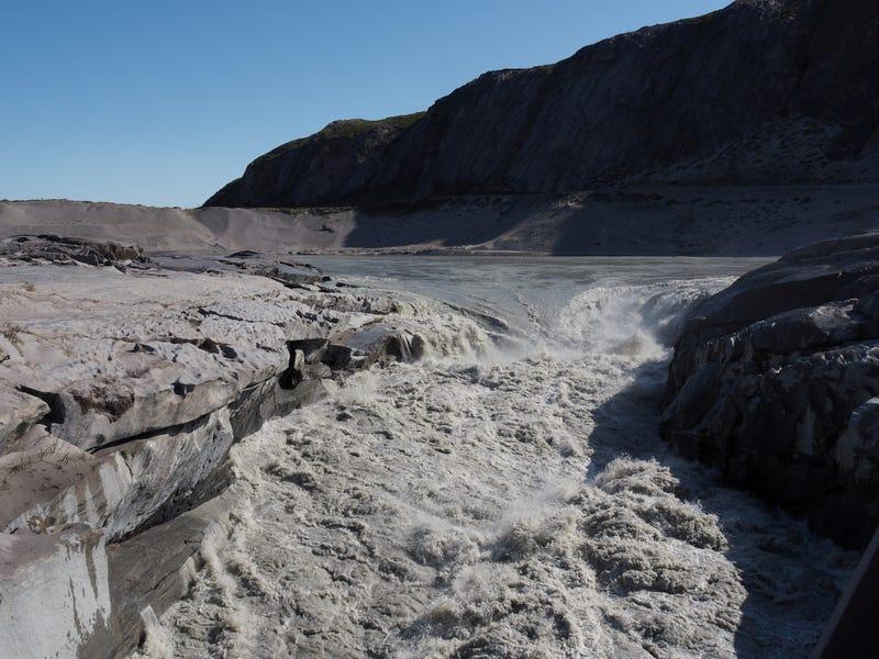 Capa de hielo que se derrite en Groenlandia ha «pasado llegar al punto de no retorno», dicen investigadores