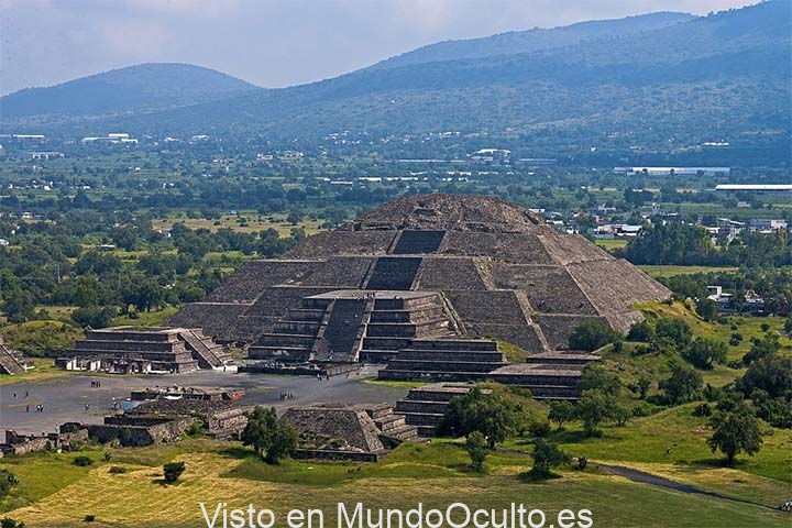 El Pasaje hacia el Inframundo encontrado bajo la Pirámide de la Luna en Teotihuacán
