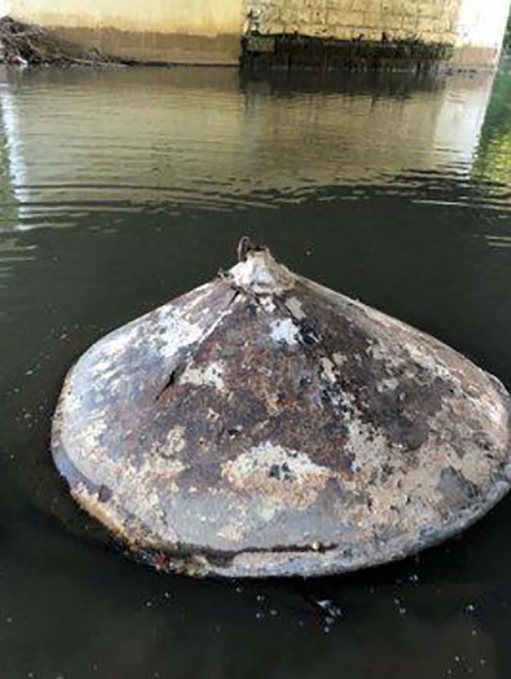 restos de ovni rio - Encuentran los restos de un OVNI en un río de Estados Unidos