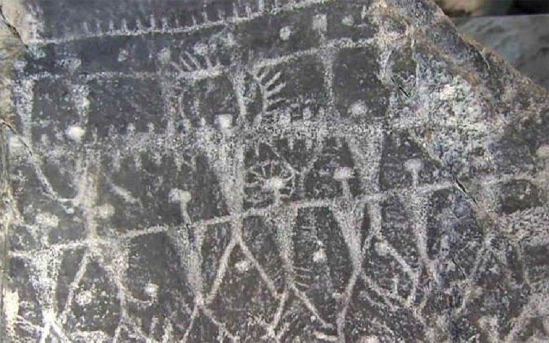 Misterioso objeto alado en el Palacio de Ashurnasirpal II, Rey de Asiria