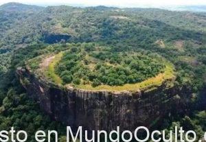 Misteriosos Petroglifos Descubiertos En Alien Mountain En Sri Lanka