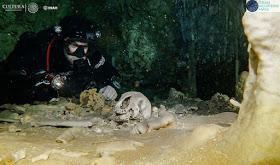 Arqueólogos submarinos que estudian el sistema de cuevas inundadas más grande del mundo, descubrieron restos humanos de 9000 años de antigüedad