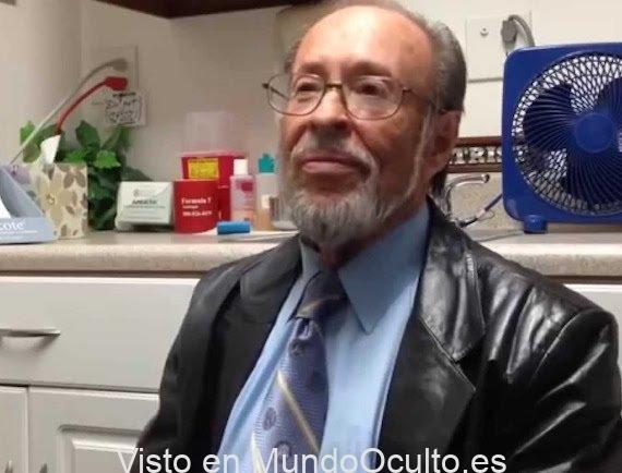 Un cirujano estadounidense y experto en implantes extraterrestres