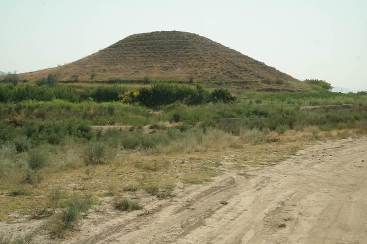 Pirámide de Dvin, Armenia.