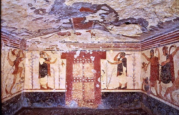 Tumba de los augures de la necrópolis etrusca de Monterozzi en Tarquinia
