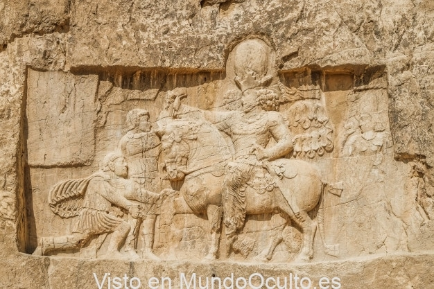 Naqsh-e Rustam: Colosales sepulturas de poderosos soberanos persas