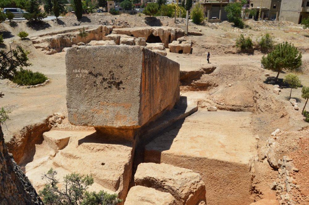 El bloque de piedra más grande descubierto en Baalbek - 1400 - 1650 toneladas de peso. Crédito: J. Abdul Massih / New Yorker