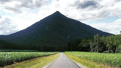 Australia Gympie Pyramid