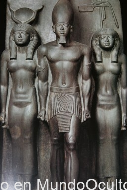 revista-ano-cero-akenaton-el-faraon-¿extraterrestre-1-1-1-1-1