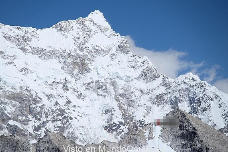 Gangkhar Puensum, la enigmatica montaña prohibida del Himalaya