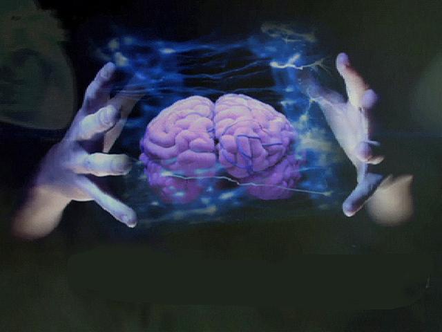 De las runas «viviendo» al holograma. Las tecnologías antiguas están regresando