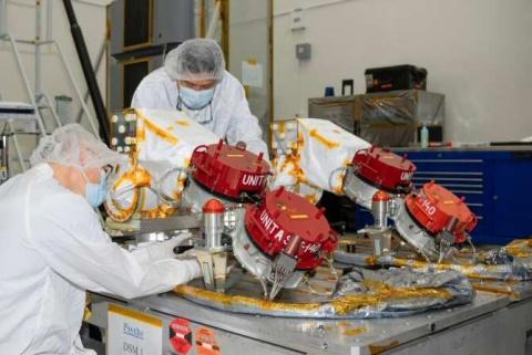 La propulsión iónica de la sonda espacial Psyche